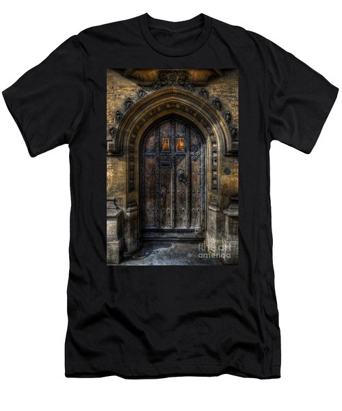Old College Door - Oxford Men's T-Shirt (Athletic Fit)