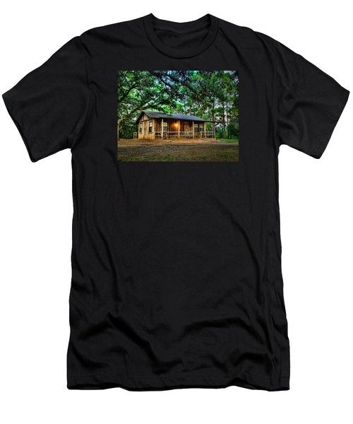 Old Country Cabin Men's T-Shirt (Athletic Fit)