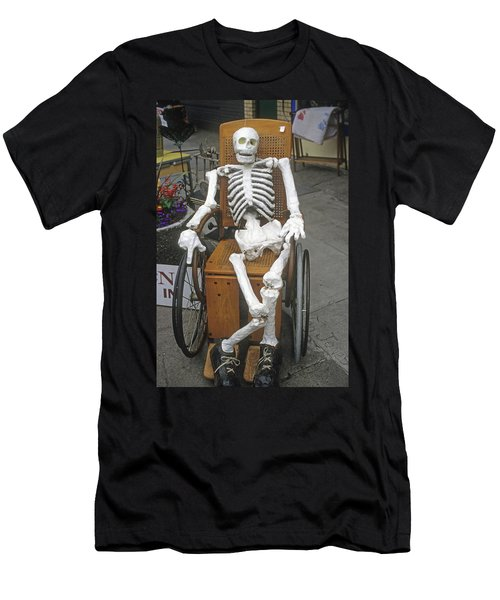 Old Deadheads Never Die Men's T-Shirt (Athletic Fit)