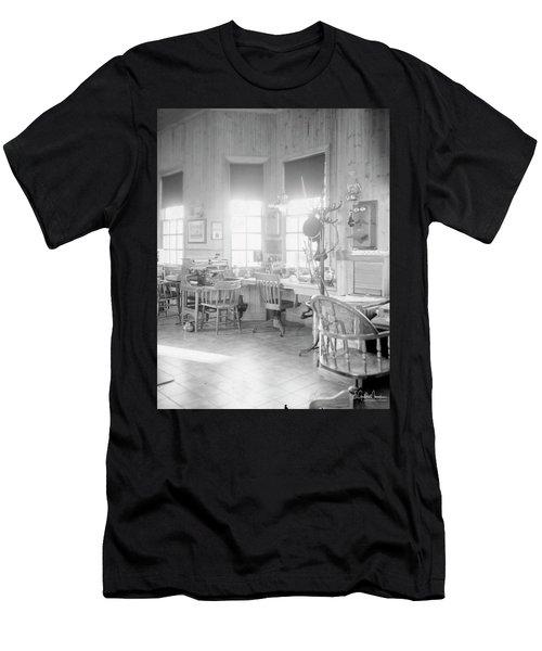 Old Depot Men's T-Shirt (Athletic Fit)