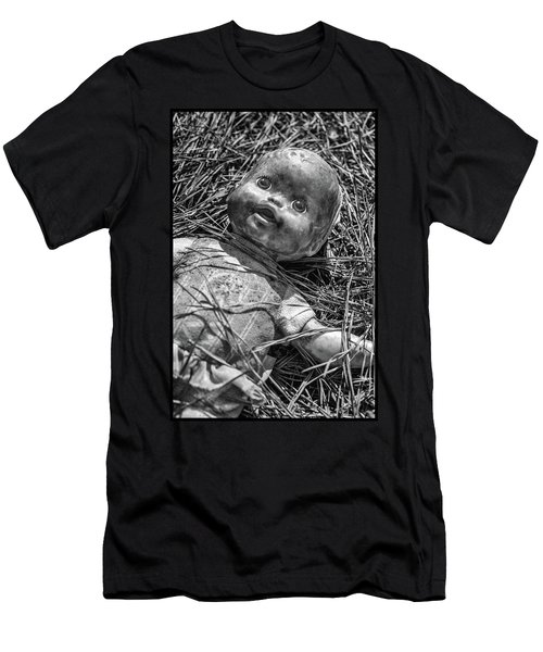Old Dolls In Grass Men's T-Shirt (Athletic Fit)