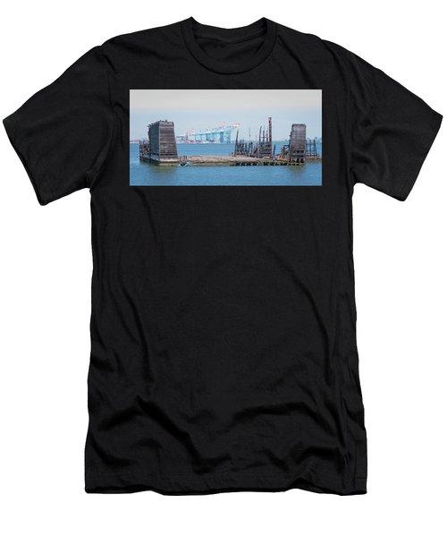 Old Dry Dock In Kill Van Kull Men's T-Shirt (Athletic Fit)