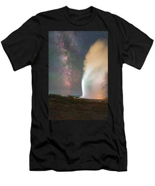 Old Faithful Erupts At Night Men's T-Shirt (Athletic Fit)