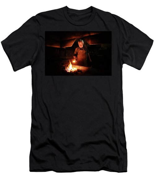 Old-fashioned Blacksmith Heating Iron Men's T-Shirt (Athletic Fit)