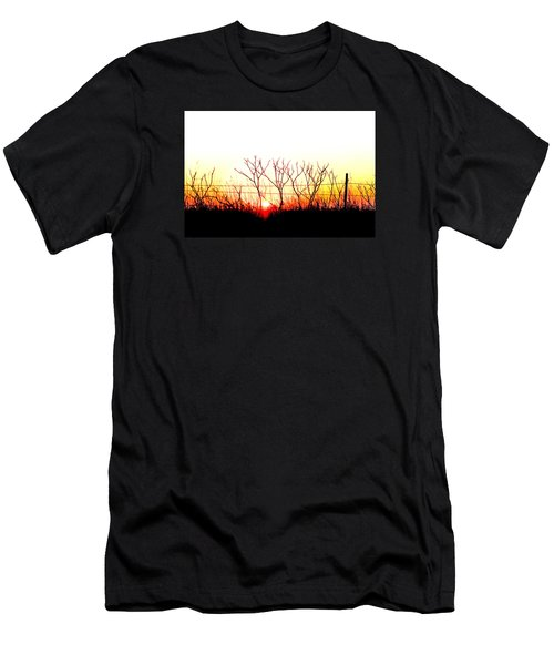 Old Fence Men's T-Shirt (Athletic Fit)