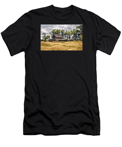 Old House And Barn Men's T-Shirt (Athletic Fit)