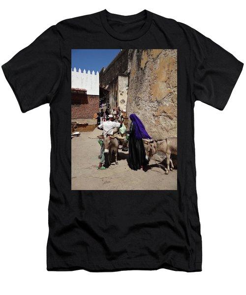 Old Lamu Town Men's T-Shirt (Athletic Fit)