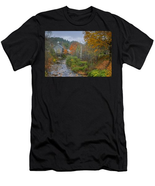 Old Mill New England Men's T-Shirt (Athletic Fit)