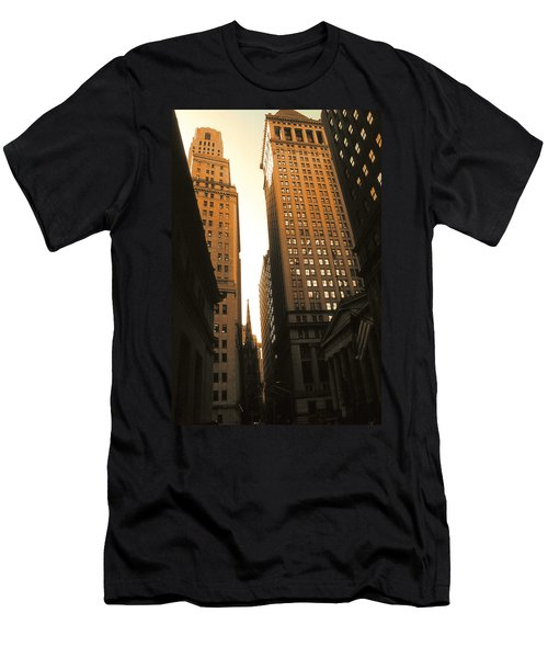 Old New York Wall Street Men's T-Shirt (Athletic Fit)