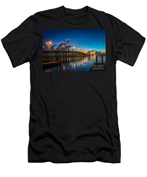 Old Palm City Bridge Men's T-Shirt (Athletic Fit)