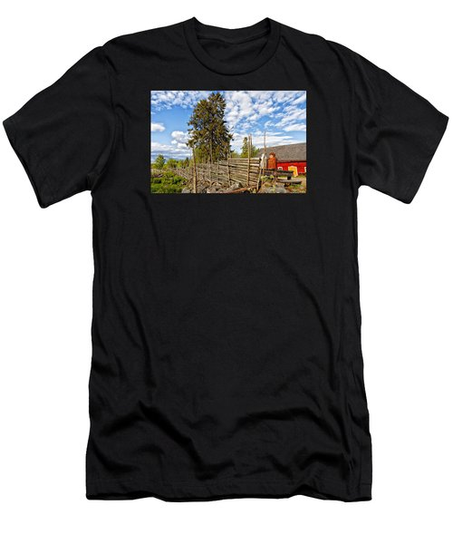 Old Rural Farm Set In A Beautiful Summer Nature Men's T-Shirt (Athletic Fit)