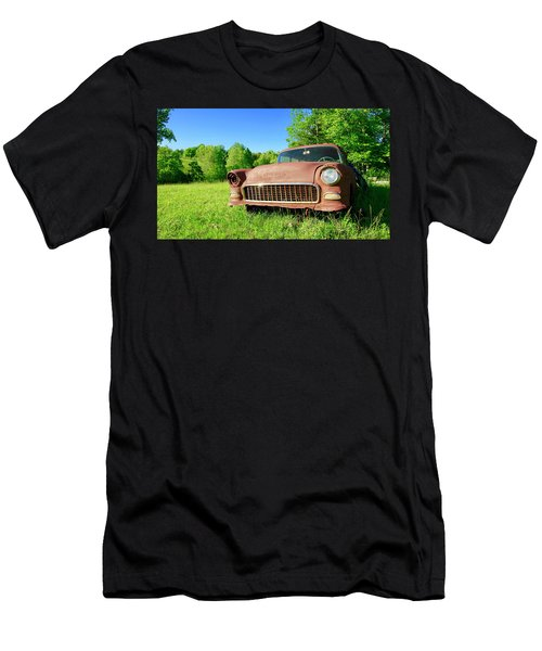 Old Rusty Car Men's T-Shirt (Athletic Fit)