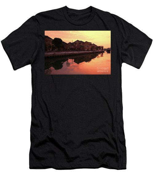Old Town Early Morning  Hoi An Men's T-Shirt (Athletic Fit)