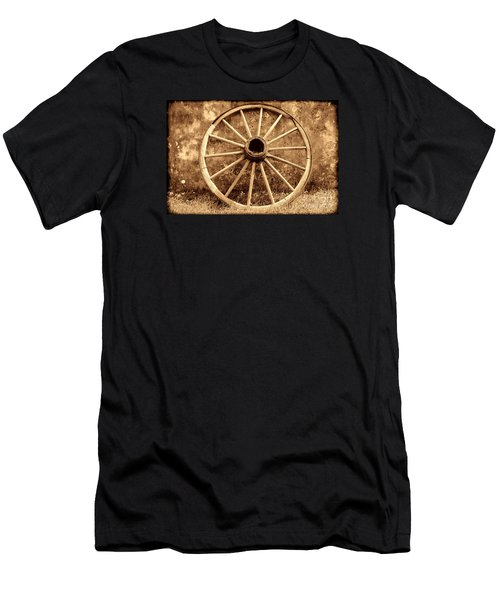 Old Wagon Wheel Men's T-Shirt (Athletic Fit)