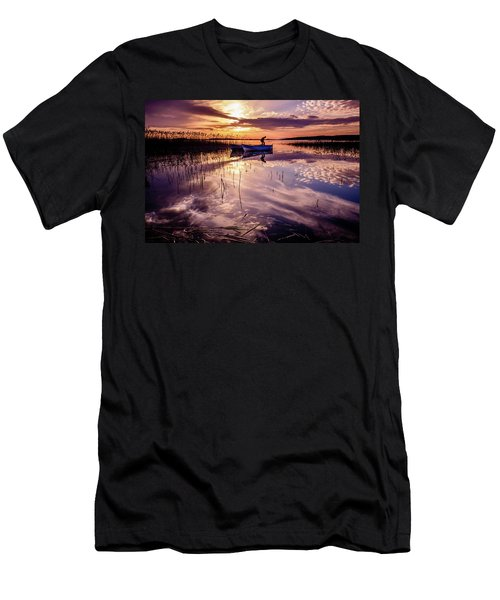 On The Boat Men's T-Shirt (Athletic Fit)