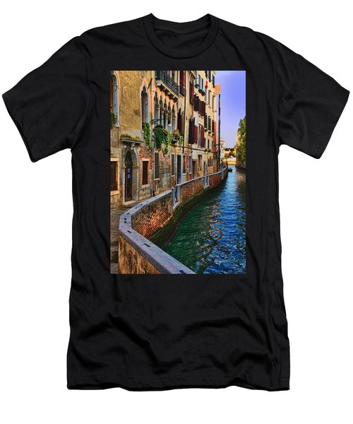 On The Canal-venice Men's T-Shirt (Slim Fit) by Tom Prendergast