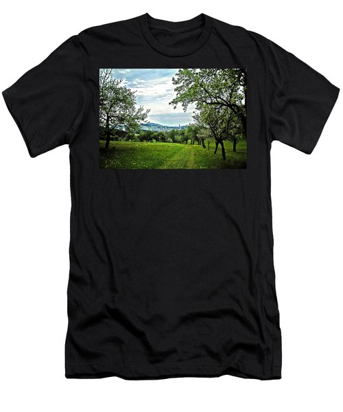 On The Way To Gramastetten ... Men's T-Shirt (Athletic Fit)