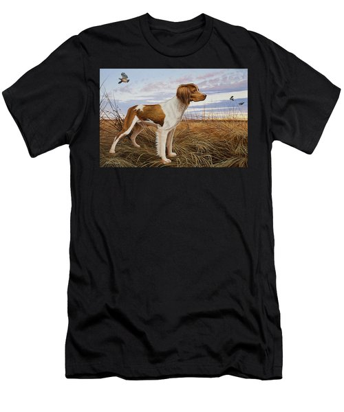 On Watch - Brittany Spaniel Men's T-Shirt (Athletic Fit)