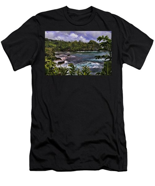 Onomea Bay Hawaii Men's T-Shirt (Athletic Fit)