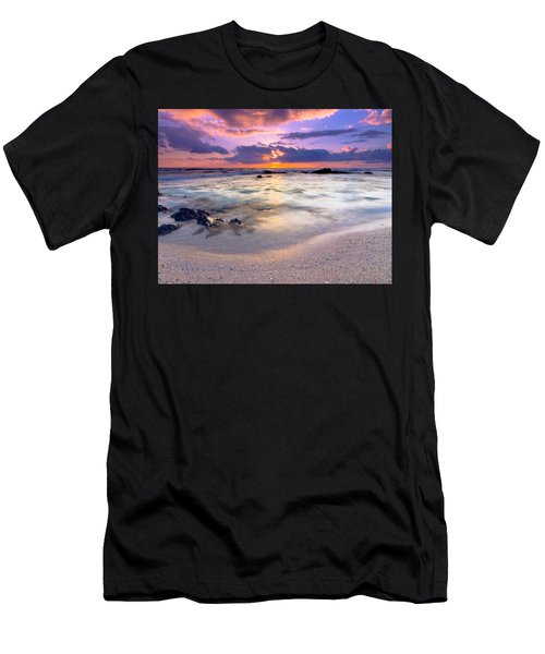 O'oma Beach Sunset Men's T-Shirt (Athletic Fit)