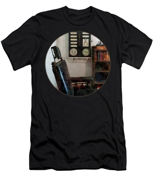 Optometrist - Eye Doctor's Office With Eye Chart Men's T-Shirt (Athletic Fit)