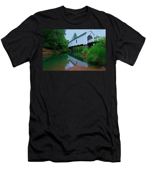 Oregon Covered Bridge Men's T-Shirt (Athletic Fit)
