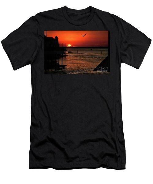 Oui Men's T-Shirt (Athletic Fit)