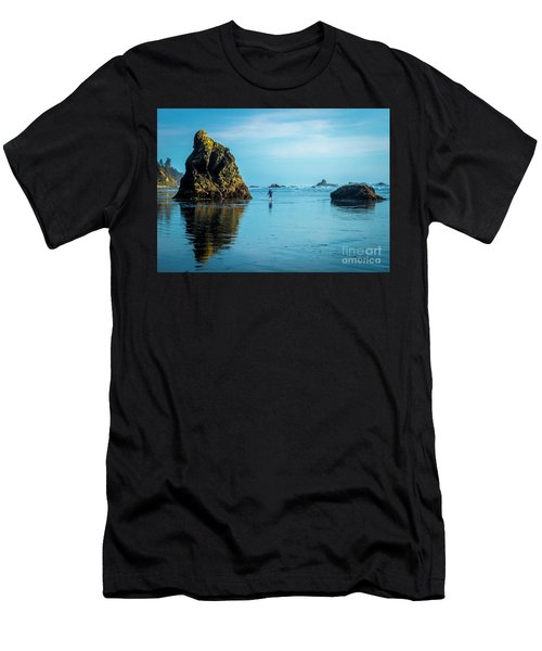 Outing In Ruby Beach,wa Men's T-Shirt (Athletic Fit)