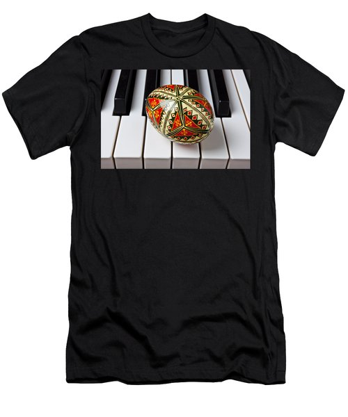 Painted Easter Egg On Piano Keys Men's T-Shirt (Athletic Fit)