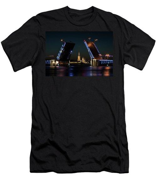Palace Bridge At Night Men's T-Shirt (Athletic Fit)