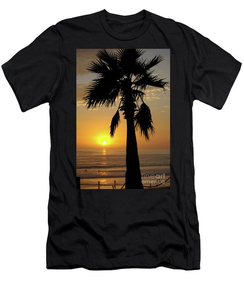 Palm Tree Sunset Men's T-Shirt (Athletic Fit)
