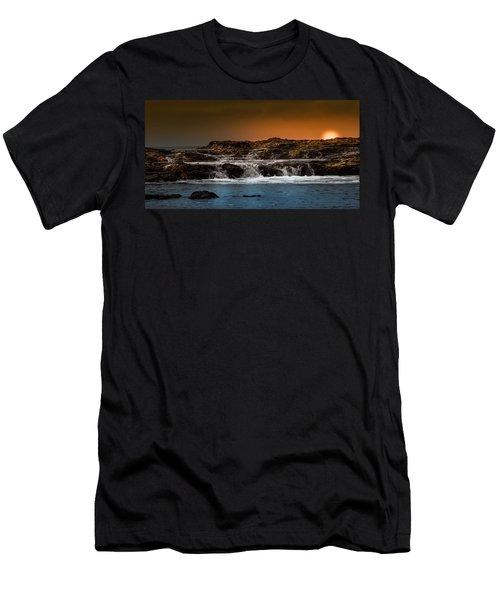 Palos Verdes Coast Men's T-Shirt (Athletic Fit)