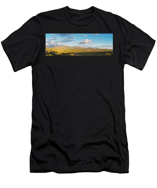 Panorama Of Santa Fe And Sangre De Cristo Mountains - New Mexico Land Of Enchantment Men's T-Shirt (Athletic Fit)