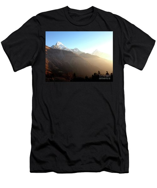 Panoramic Sunset View Of Everest Mountain Men's T-Shirt (Athletic Fit)