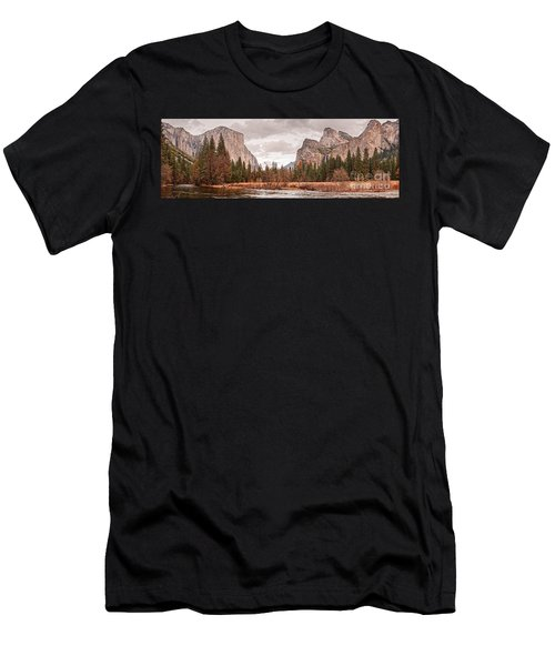 Panoramic View Of Yosemite Valley From Bridal Veils Falls Viewing Point - Sierra Nevada California Men's T-Shirt (Athletic Fit)