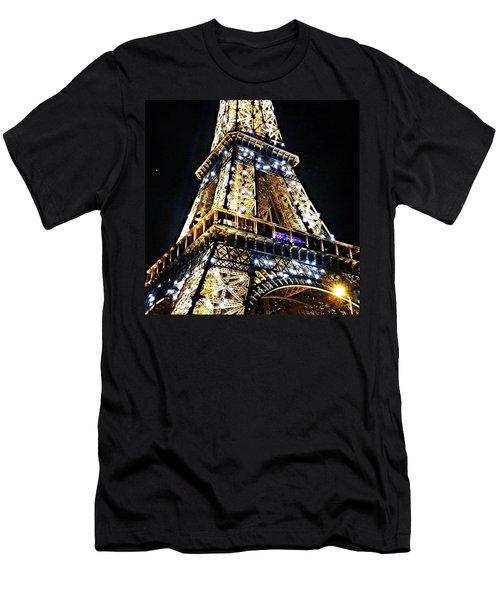 Paris - Eiffel Tower Men's T-Shirt (Athletic Fit)