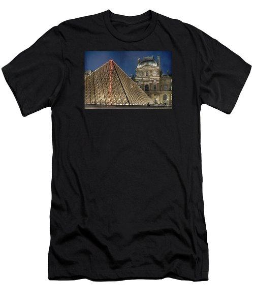Paris Louvre Men's T-Shirt (Athletic Fit)