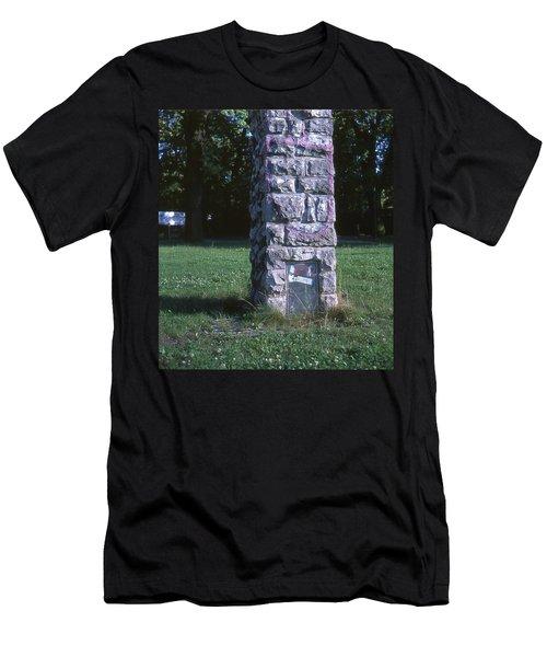 Park Column Men's T-Shirt (Athletic Fit)