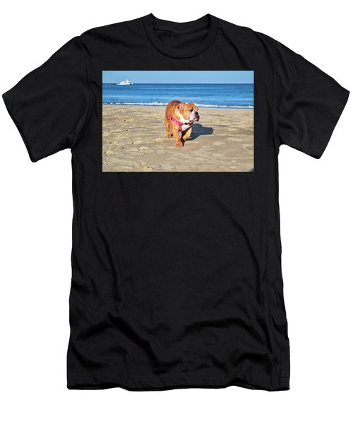 Peanut On The Beach Men's T-Shirt (Athletic Fit)