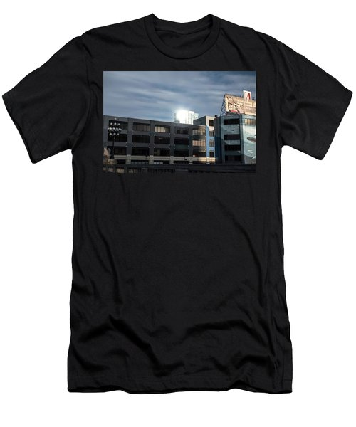 Philadelphia Urban Landscape - 1195 Men's T-Shirt (Slim Fit) by David Sutton