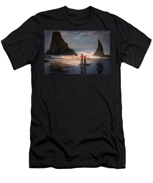 Photographer Vs Selfiegrapher Men's T-Shirt (Athletic Fit)
