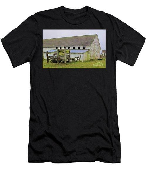 Pierce Pt. Ranch Barn Men's T-Shirt (Athletic Fit)