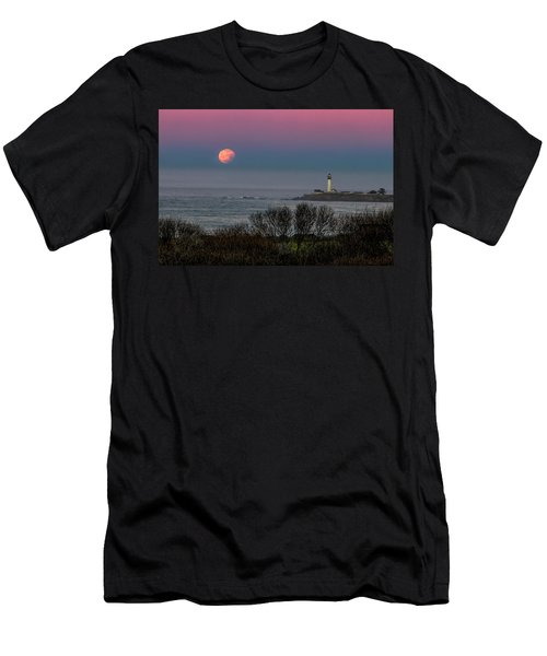Pigeon Point Supermoon Men's T-Shirt (Athletic Fit)