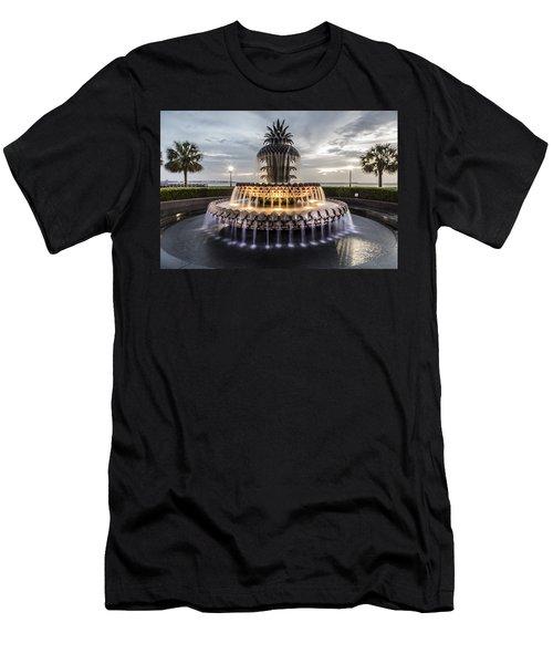 Pineapple Fountain Charleston Sc Men's T-Shirt (Athletic Fit)