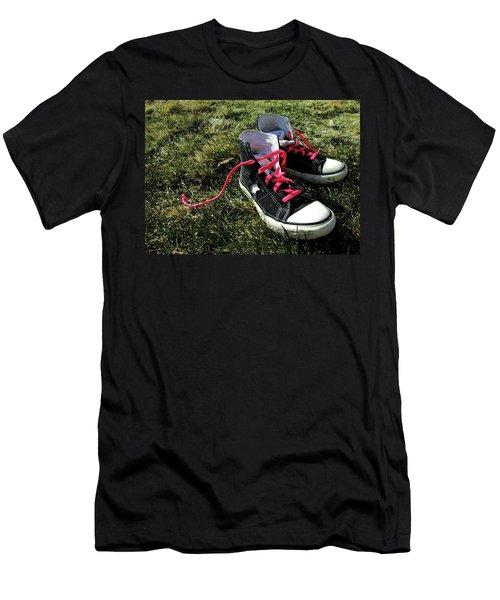 Pink Shoe Laces Men's T-Shirt (Athletic Fit)