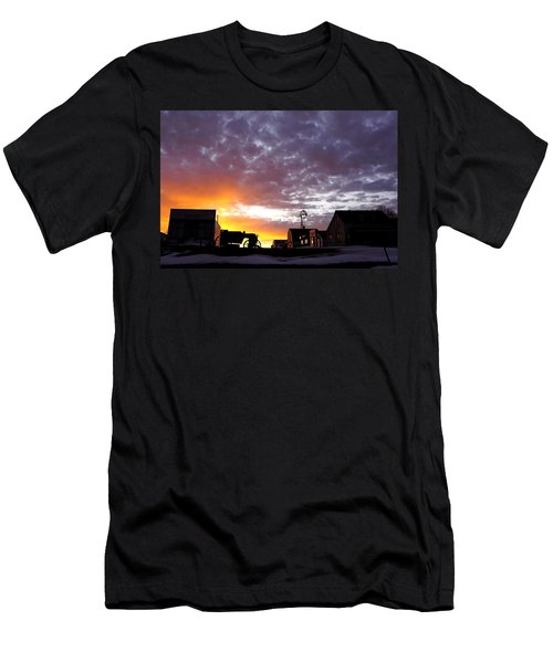 Pioneer Town Sunset Men's T-Shirt (Athletic Fit)