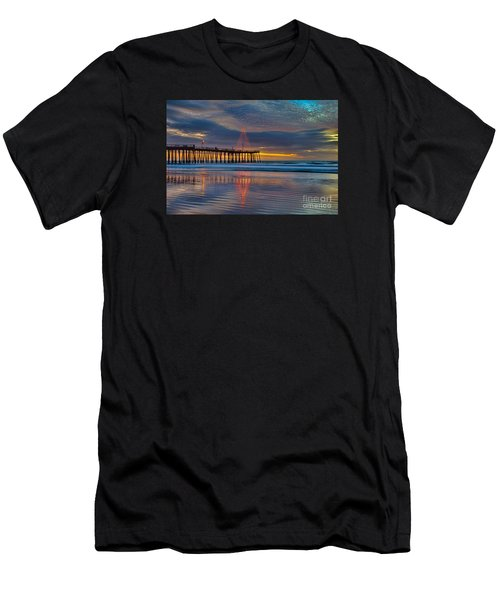 Pismo Beach Christmas Men's T-Shirt (Athletic Fit)