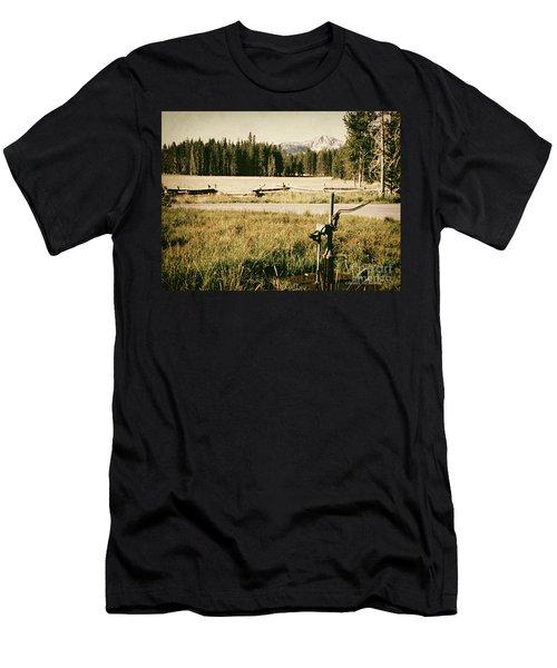 Pitcher Pump Men's T-Shirt (Athletic Fit)