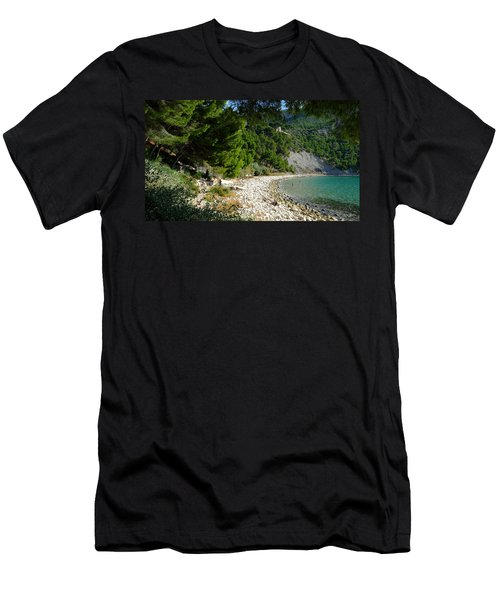 Arene Beach Of Cassis Men's T-Shirt (Athletic Fit)