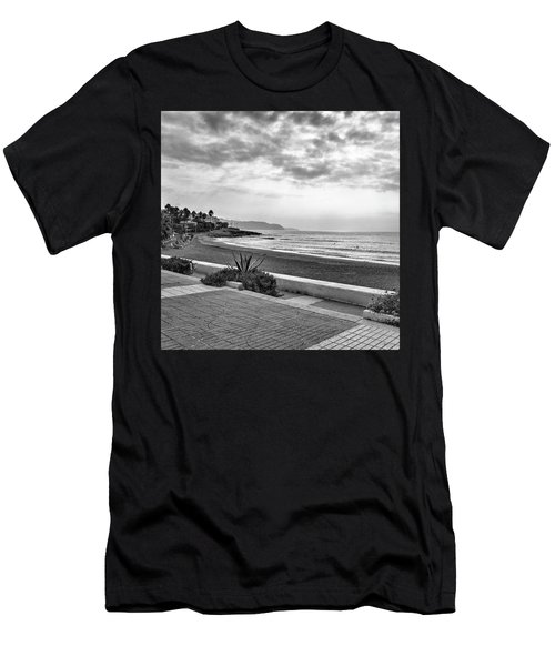 Playa Burriana, Nerja Men's T-Shirt (Athletic Fit)
